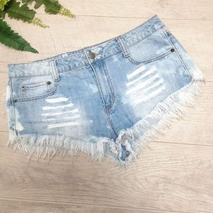 Distressed raw hem Jean shorts Size 28